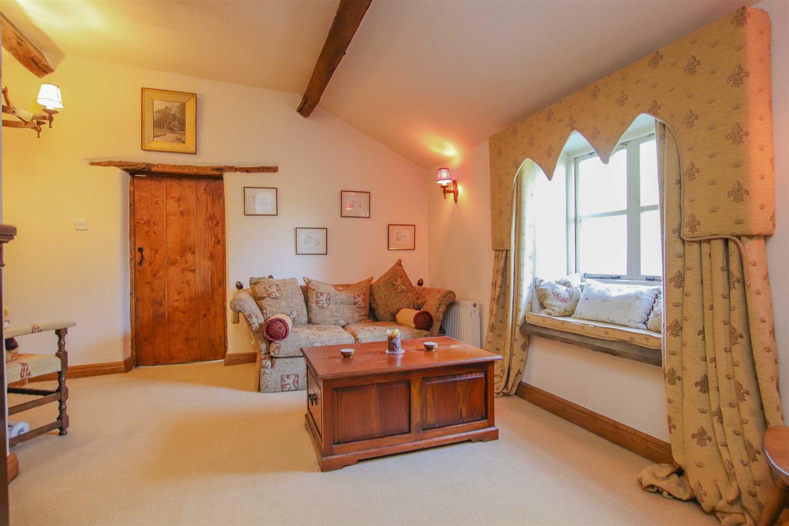3 Bedroom Semi-detached House For Sale - p038856_07.jpg